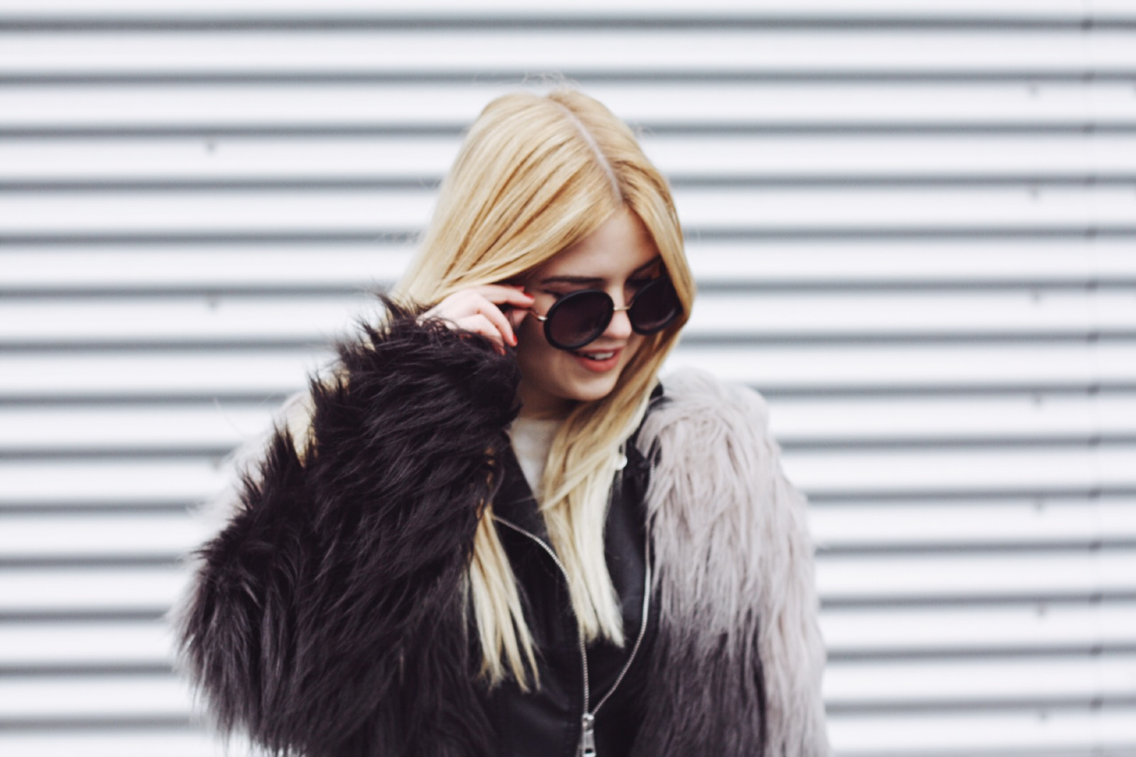 michelle_roessel_itsgoldie_fake_fur_jacke_ombre_hannover_hamburg_mode
