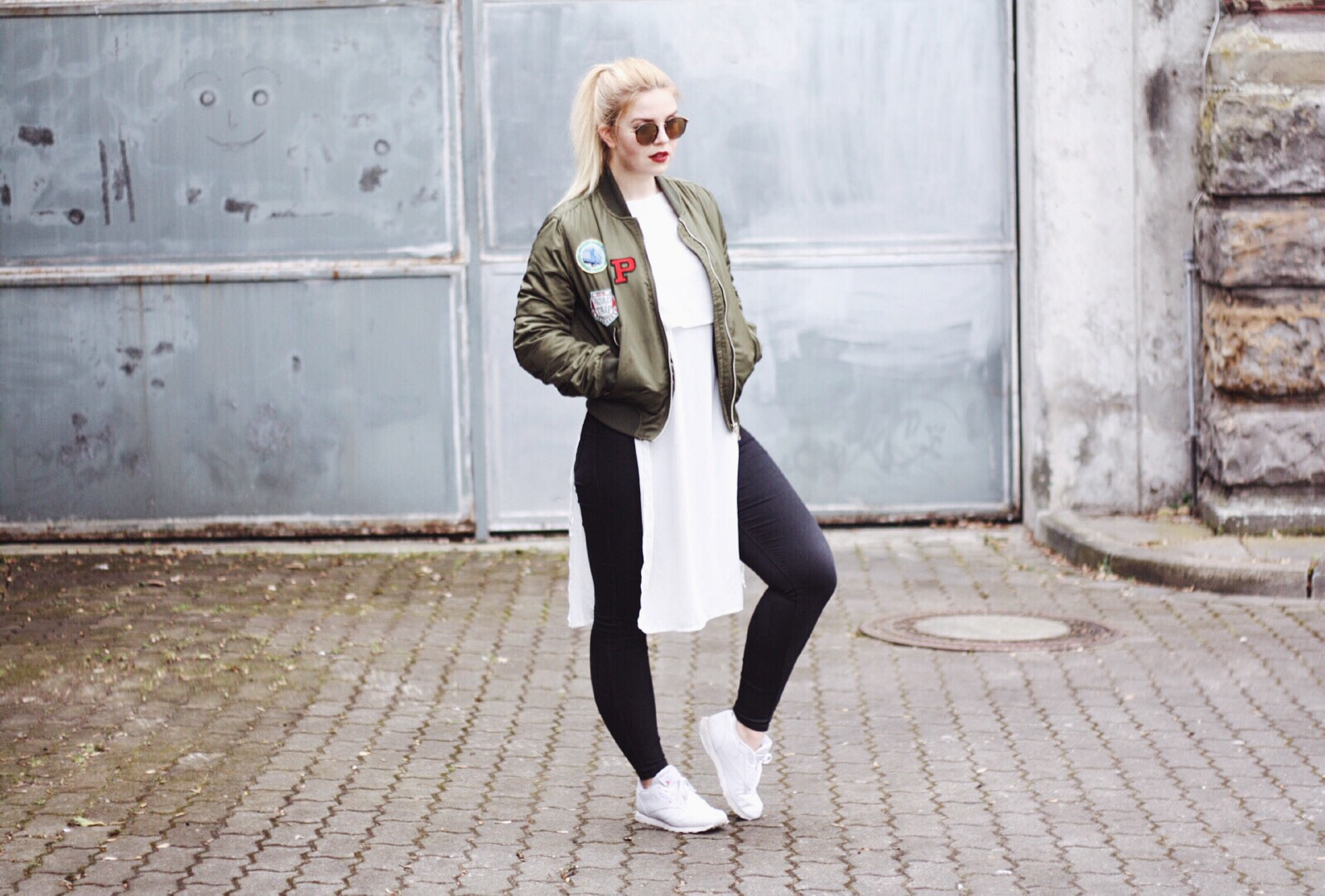 itsgoldie_bomberjacke_trend_mode_blogger_fashionblogger_aufnäher_