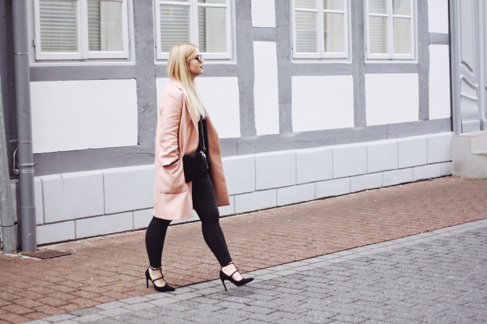 modeblog_hannover_itsgoldie_rosa_pastellrosa_mantel_zara